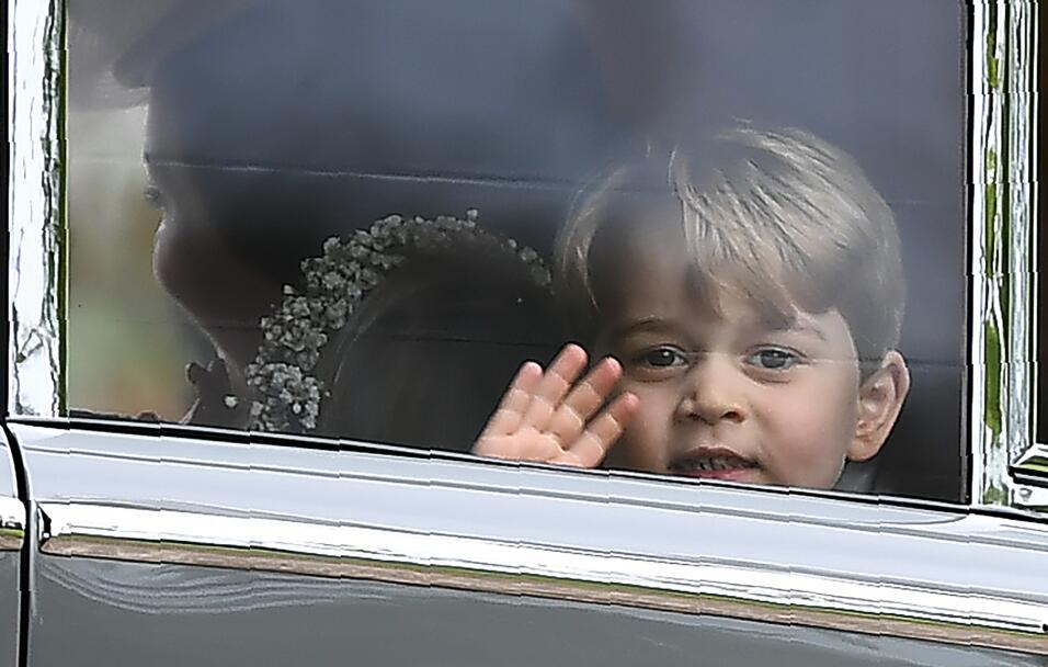 Los momento más dulces del Príncipe George y hoy en su cum...