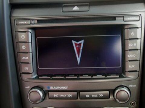 El equipo de audio cuenta con una pantalla a color de 6.5 pulgadas, y es...