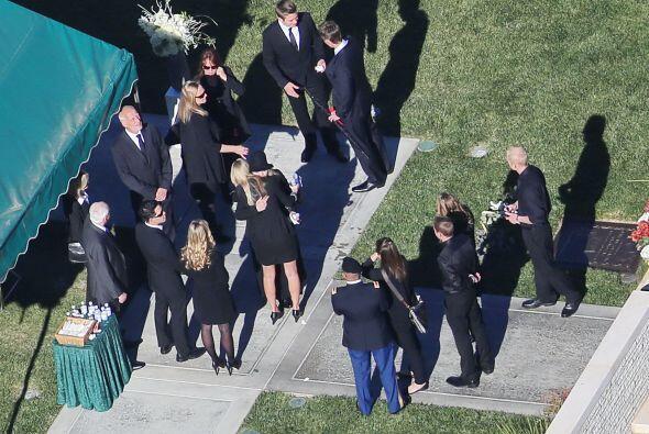 En el Forest Lawn Memorial Park en Hollywood también descansan los resto...