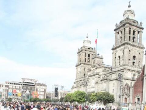 Cientos de familias se congregaron en el centro de la Ciudad de M&eacute...