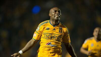 El ecuatoriano fue uno de los mejores jugadores de los universitarios.