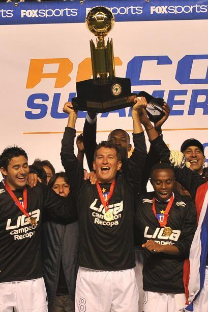También en el año 2009 se llevaron la Copa Sudamericana, luego de triunf...