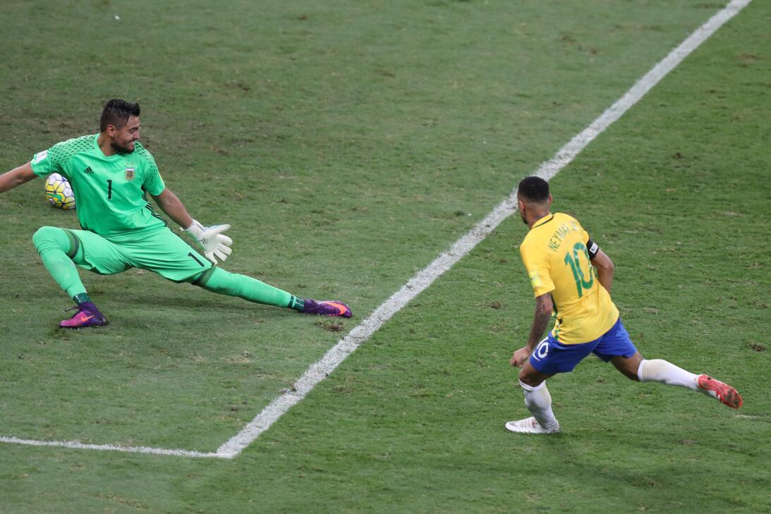 Brasil estuvo de fiesta en el clásico contra Argentina AP_936913620693.jpg