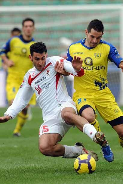 Bari, conjunto que se encuentra a la mitad de la tabla, venció 1-0 al Ch...
