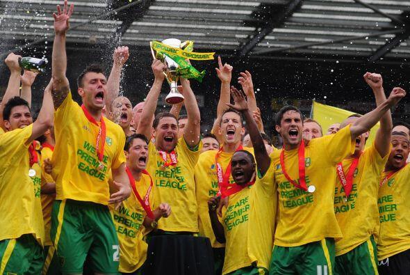 El Norwich City irrumpe en la Liga Premier tras ascender, al acabar como...