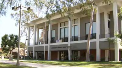 Investigan amenazas racistas contra estudiantes latinos y judíos en la Universidad Estatal de California