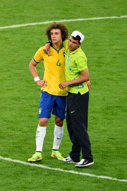 Thiago Silva consoló a su inseparable amigo David Luiz, demostrados que...