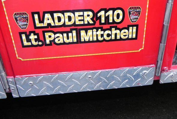 Carro bombero recuerda a sus caídos el 9/11 4bc9680acfd84a85b6d126776afc...