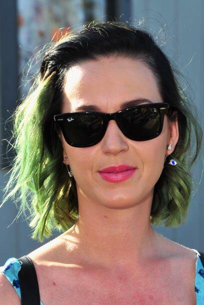 Katy, quien ha tenido el cabello de múltiples colores se decidió por el...