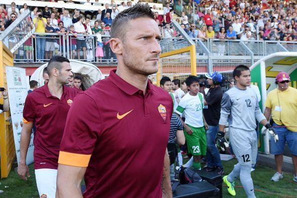 Francesco Totti de la Roma es uno de los más veteranos de la liga con 37...