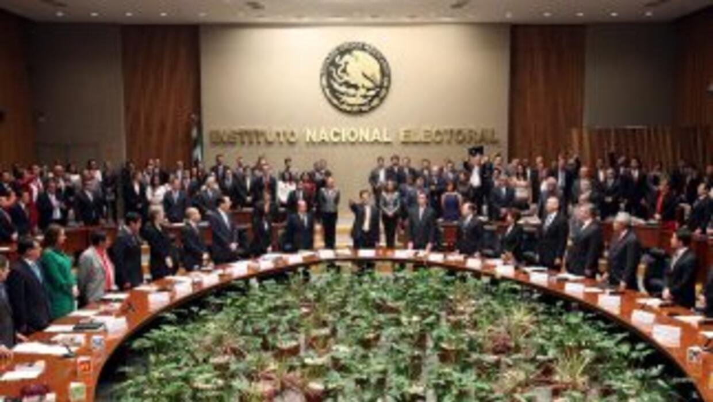 Sesión en el Instituto Nacional Electoral mexicano, en una imagen difund...