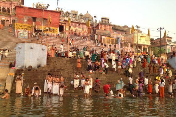 El viaje continuó y Raúl quedó maravillado con el rio Ganges.