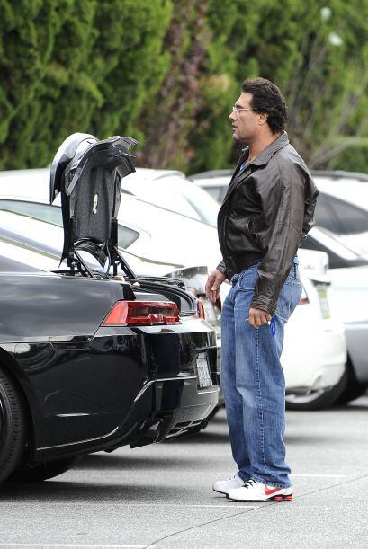 El actor estuvo haciendo sus compras acompañado de su empleada, m...