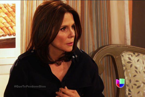 ¡Ayyy Renata! Fausto se enteró que tú y el doctor Patricio se besaron y...