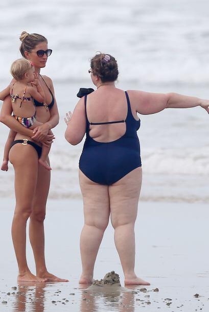 Giselle Bundchen se fue de paseo a la playa con unas cuantas amigas.