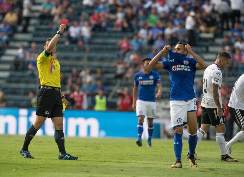 En un partido que tuvo de todo, Cruz Azul venció 2-1 a Atlas y le da un...