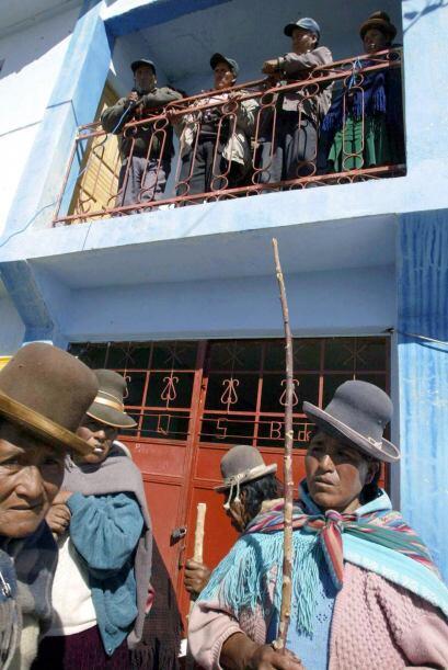 Los establecimientos de salud en zonas donde residen niños indígenas, po...