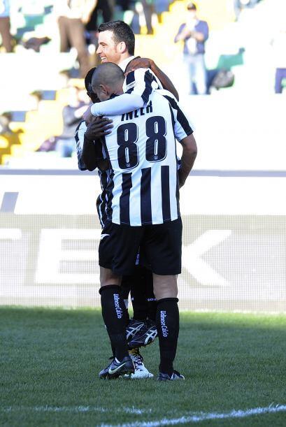 Y después, Antonio Di Natale cerró la victoria con el 2-0 final.