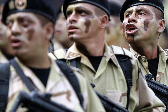Al ser conformado por ex militares, todos ellos han recibido entrenamien...