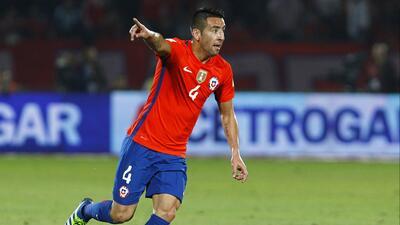 El Cagliari hace oficial el fichaje del chileno Mauricio Isla