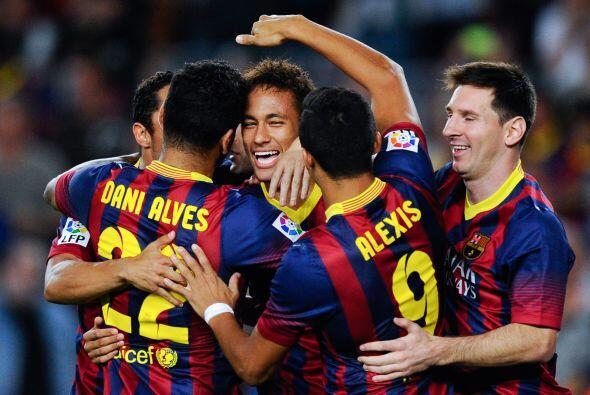 Apenas se cumplían cinco minutos y el brasileño Neymar aprovechaba las f...