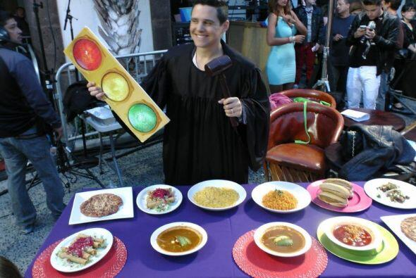 Alejandro Chabán llegó con todo y su dieta del semá...
