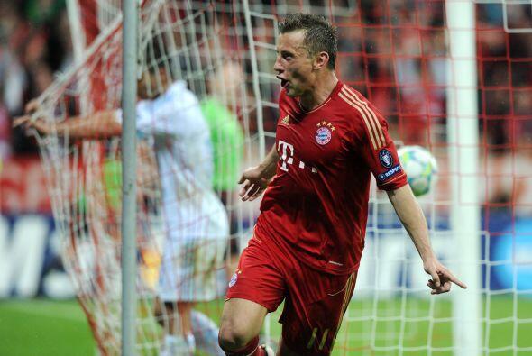 Y el delantero Olic hacía gol después de mucho tiempo sin...