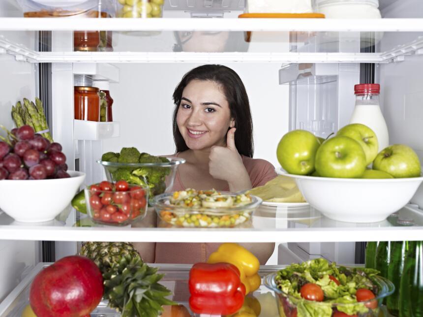 Para economizar energía se aconseja sólo abrir las puertas del refrigera...