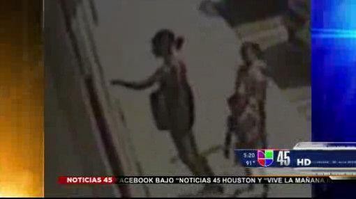 Captado en video: Mujer habría utilizado a sus hijas para robar