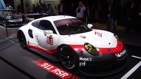 Porsche 911 RSR y el Panamera Executive en el Auto Show de LA