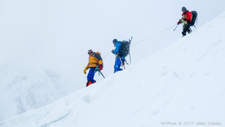 Tres alpinistas españoles fuerin al rescate de un alpinista itali...