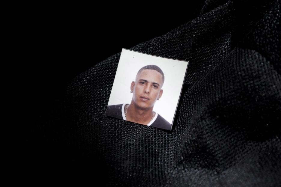 Las fotos tamaño carné que seguramente tenían los cubanos para arreglar...