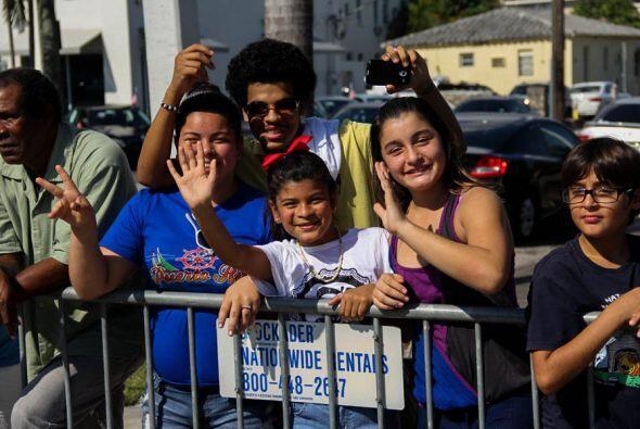 Las familias y niños de Miami celebraron la Parada de Los Reyes e...