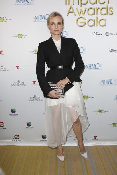 Diane Kruger acompañó a su amigo Bichir. Mira aquí los videos más chismo...