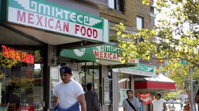 Los restaurantes dan muchos empleos a latinos y afroestadounidenses, per...