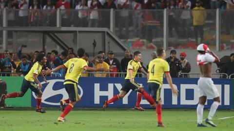 Col vs Perú