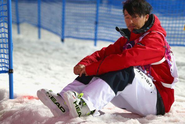 El japonés Sho Endo se ve abatido después de haber sido eliminado durant...