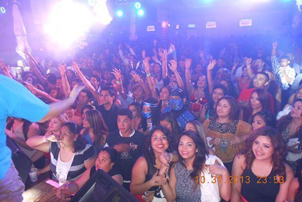 Toby Love y 104.9 encendieron a Houston el jueves 31 de octubre! Entre b...