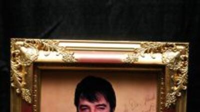 Prendas de Elvis, Madonna y MJ se exhiben en Chile antes de ir a subasta
