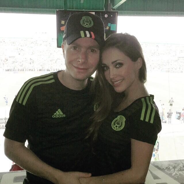 ¿Anahí está embarazada? Recuerda su historia de amor con Manuel Velasco