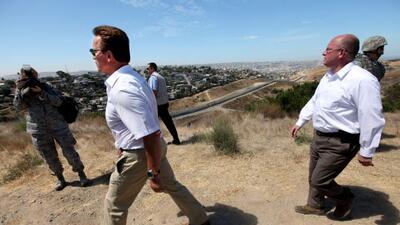 El gobernador de California Arnold Schwarzenegger anunció el mi&e...