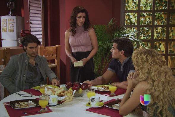 Les preocupa que Dionisio haga de las suyas y abuse de Camila sin soltar...