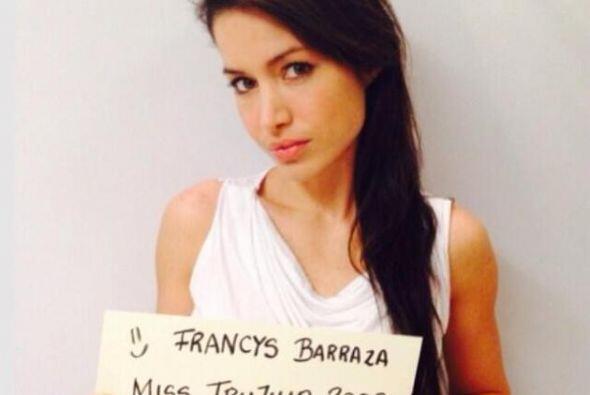 Francys Barraza, Miss Trujillo 2013, también pide la paz para Venezuela....