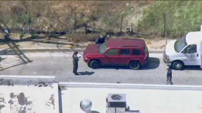 La cadena local NBC4 mostró imágenes del vehículo donde fueron encontrad...