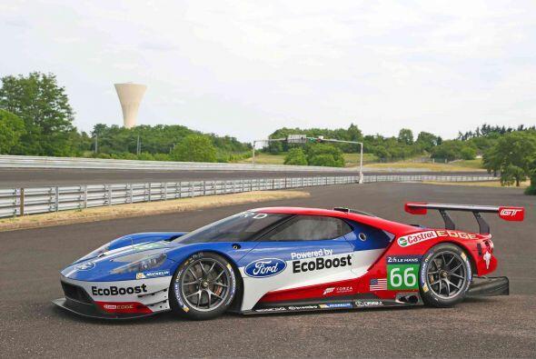 El nuevo auto de carreras está basado en el nuevo súper deportivo Ford G...