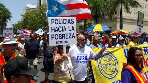 Marcha por la Milla de Oro contra las medidas de austeridad en Puerto Rico.