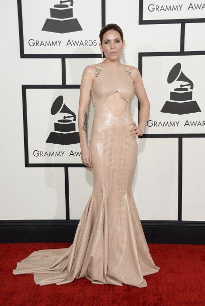 Otra de las peores vestidas fue Skylar Grey, cuyo vestido parecía estar...