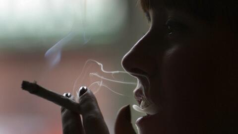¿Cómo evitar que los jóvenes empiecen a fumar?