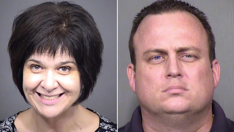 Roland y Cassandra Jones, padres de la adolescente desaparecida con su h...
