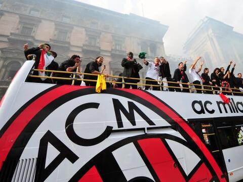 Milan festejó su nuevo título con una fiesta impresionante...